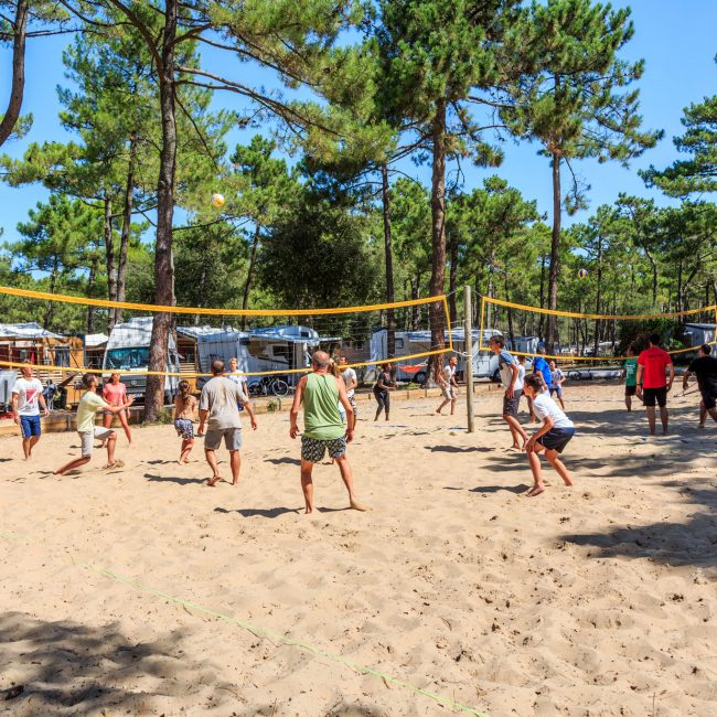 terrain de beach-volley